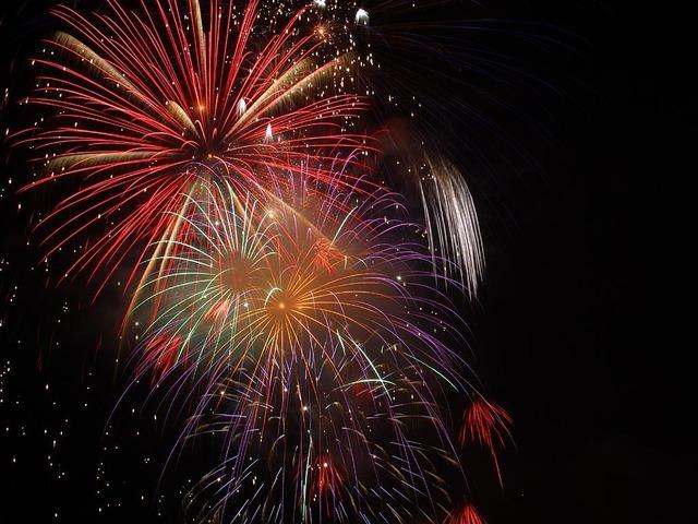 fireworks-3596_640
