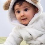 冬の赤ちゃんのおすすめ服装は何?室内の部屋着と外出のお出かけ着!